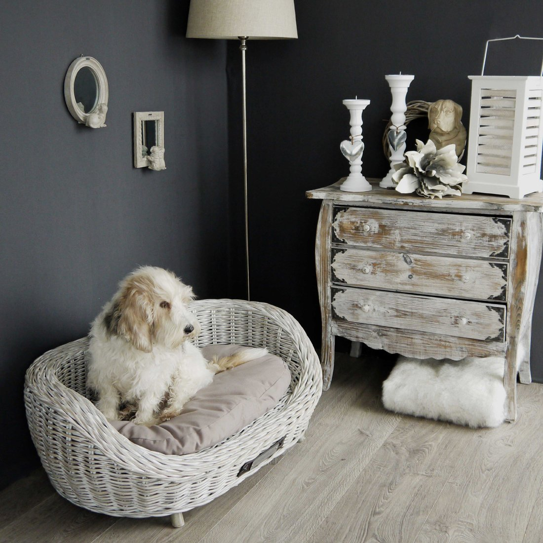 Happy House Hundesofa aus Rattan weiss, Bild 2