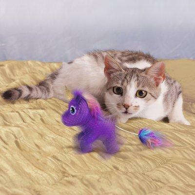 KONG Katzenspielzeug Enchanted Buzzy Unicorn Preview Image