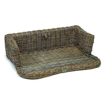 Designed By Lotte Rattan Hundesofa York Designed by Lotte